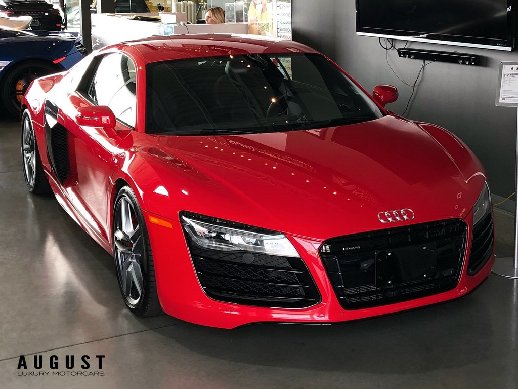 Pre-Owned 2015 Audi R8 V10 5.2 (S tronic)