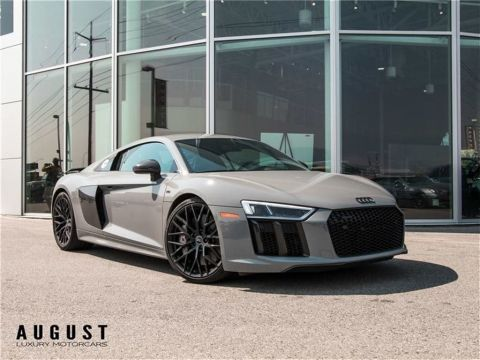 Pre-Owned 2017 Audi R8 5.2 V10 plus